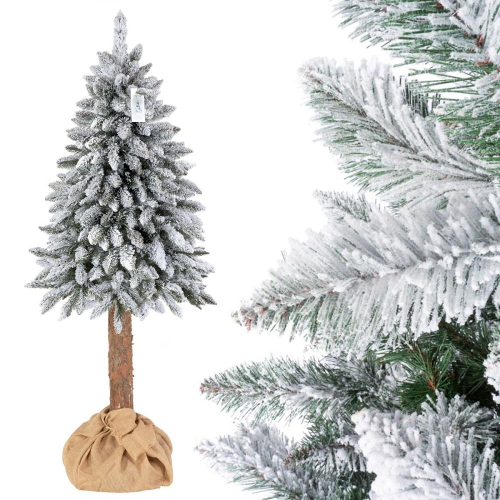 weihnachtsbaum-mit-einem-echten-baumstamm