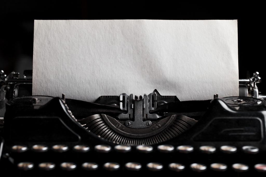 leere-seite-kreatives-schreiben
