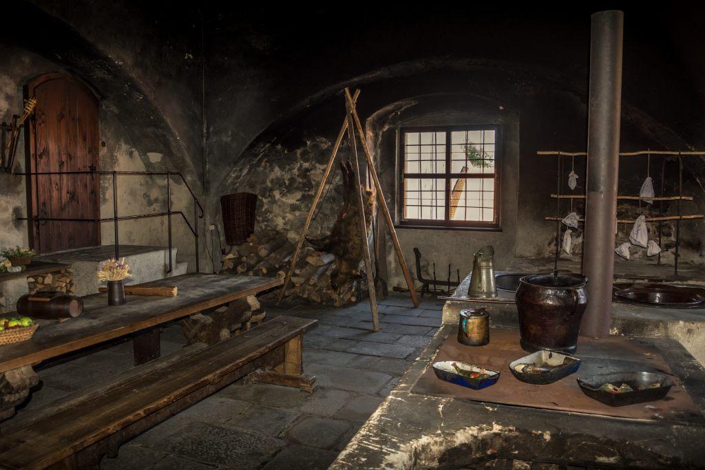 tisch-taverne
