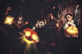 Die 6 besten Ideen, wie man sein Haus auf Halloween vorbereiten kann