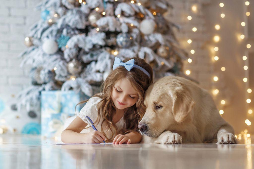 weihnachtsbaeum-kinder-hunde