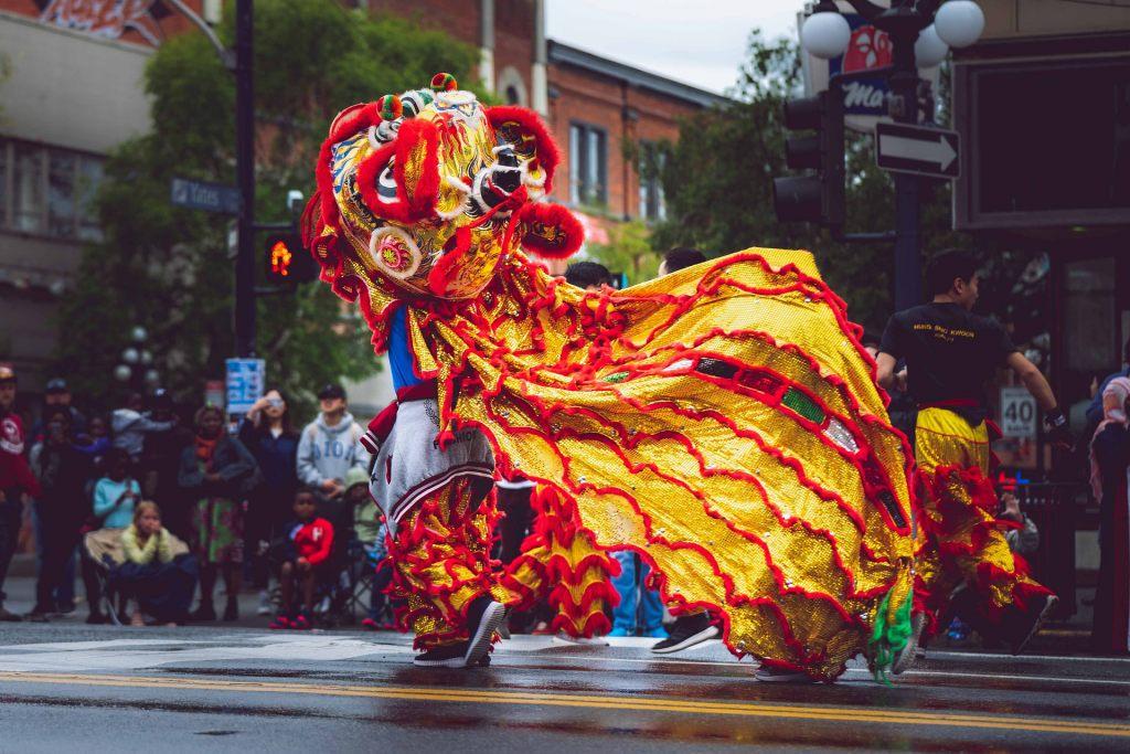 karneval-rosenmontag-zug-parade