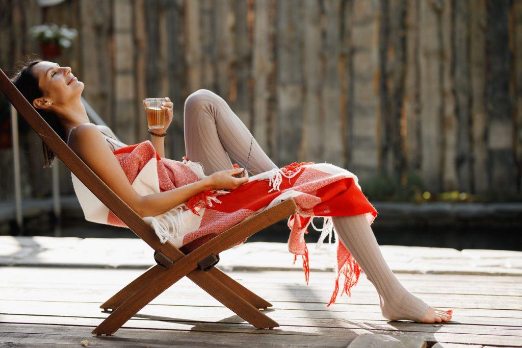 relax-erholung-auf-der-terrasse