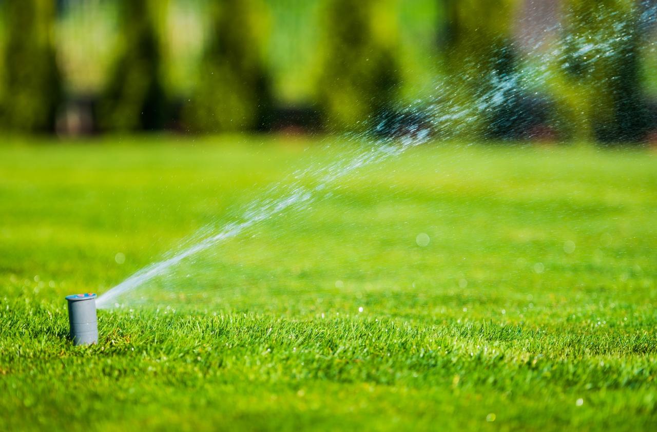 rasen-bewaesserung-sprinkler-versenkregner