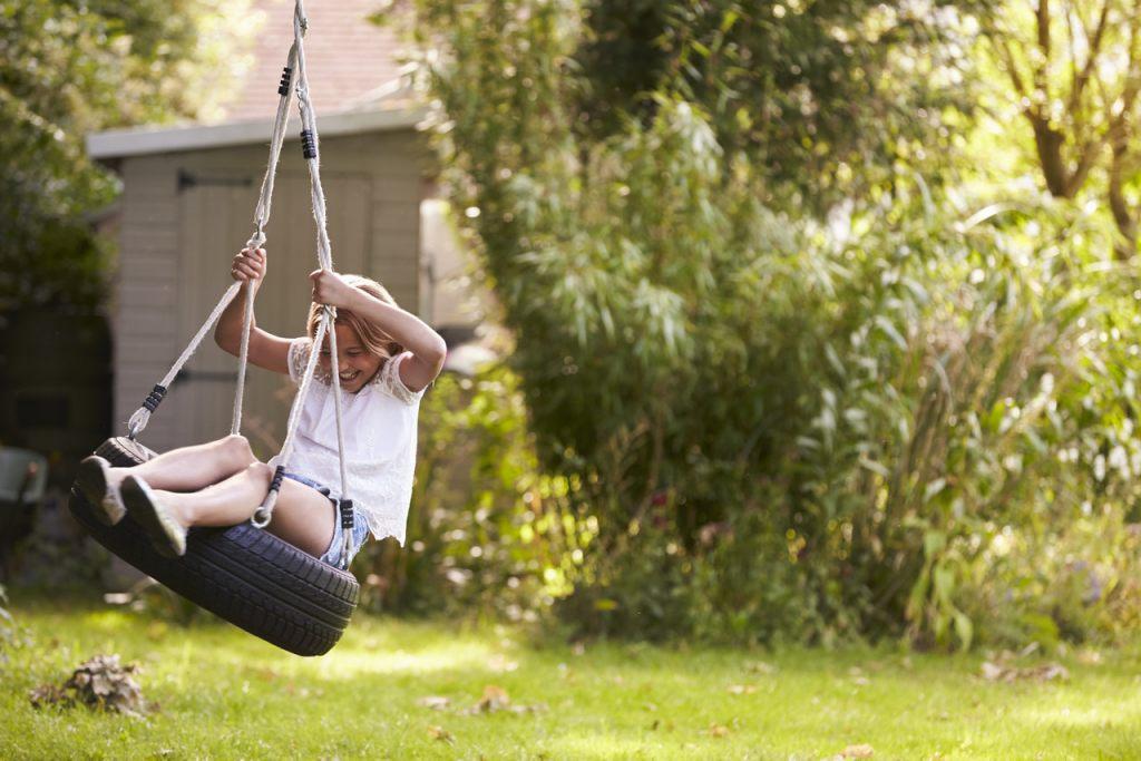 jute-seil-schaukel-beliebtes-kinderspiel