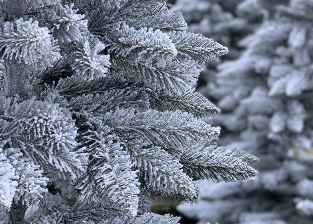fichte-natur-weiss-mit-schneeflocken-von-fairytrees