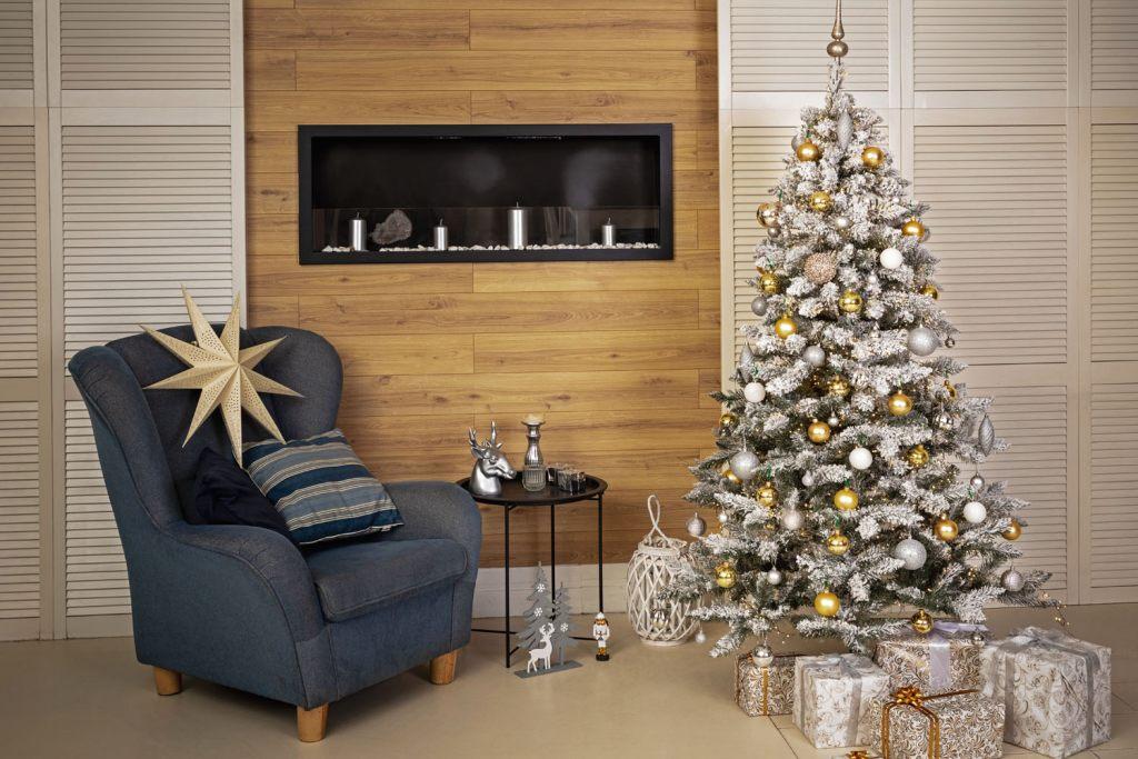 bestelle-einen-kunstlichen-weihnachtsbaum-sicher-online