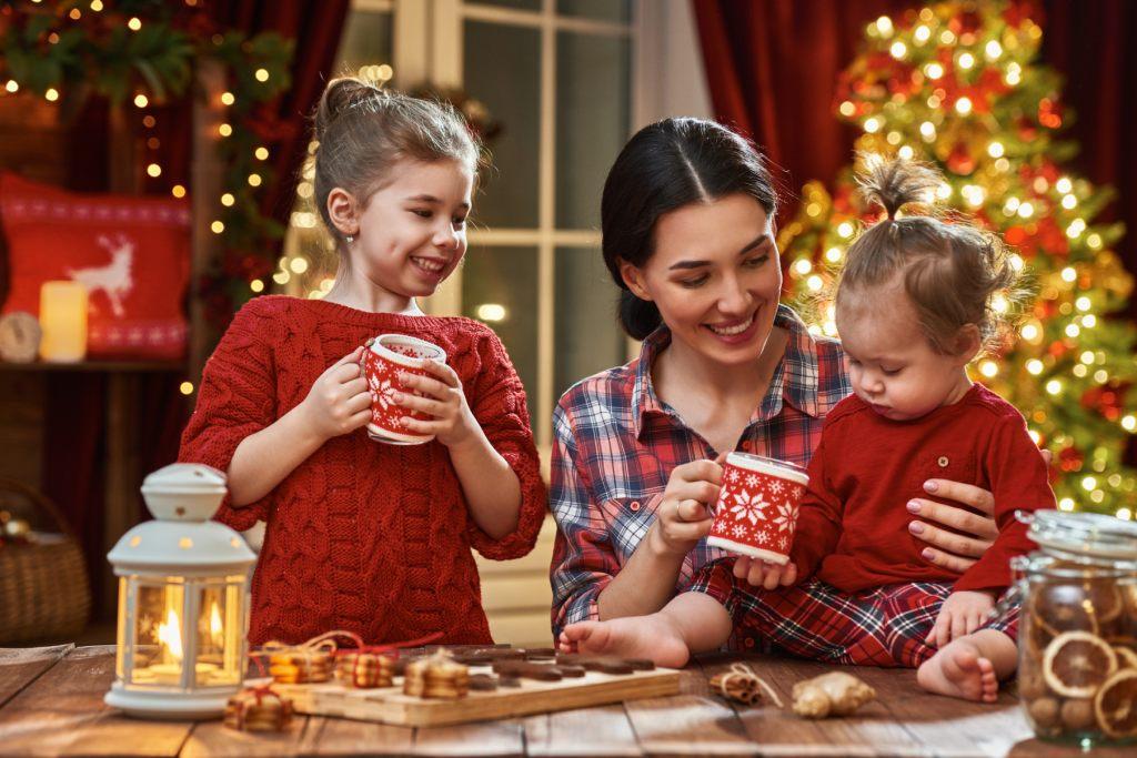 die-weihnachtszeit-verbringen-wir-am-besten-mit-famielie-und-freunden
