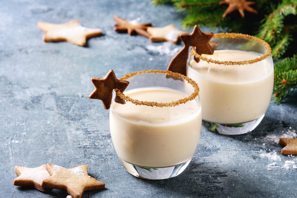 weihnachtszeit-mit-selbstgemachten-lebkuchen-und-eierlikor