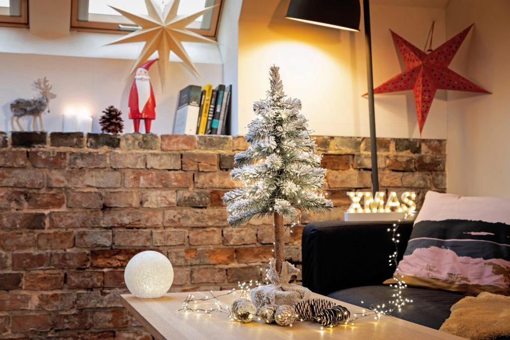weihnachtsbaum-mit-stamm