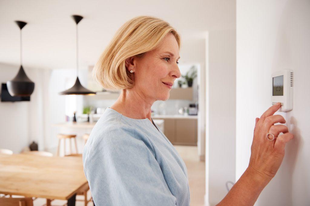 thermostat-senkt-die-heizkosten-wahrend-der-heizperiode